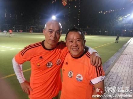 曾志伟和熊欣欣等踢球,不受掌掴案影响
